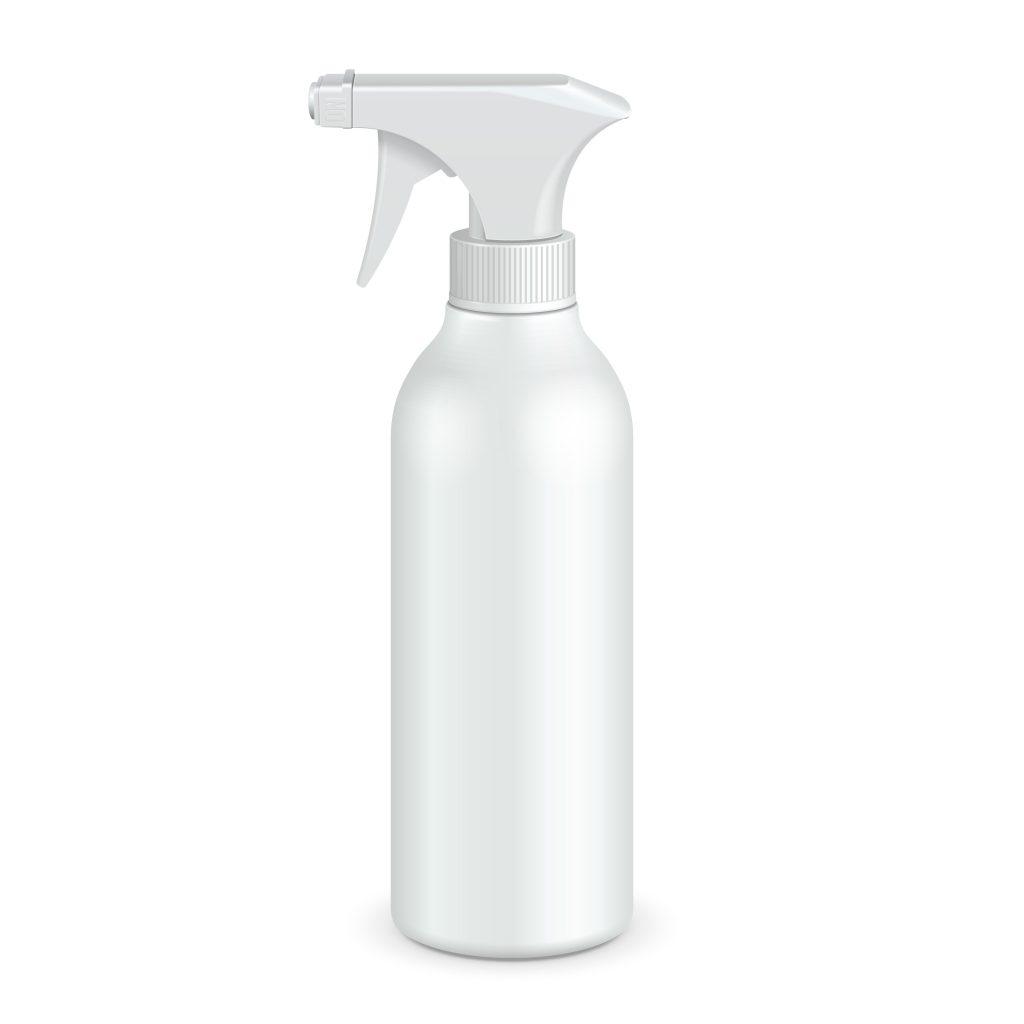 Una botella blanca espumosa en el fondo blanco