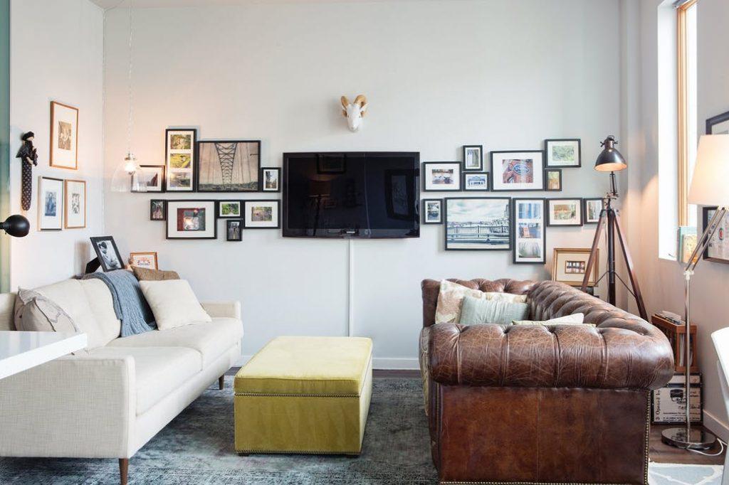 Una encantadora y moderna sala de lving
